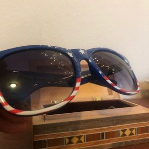 Accessories - American Flag Sunglasses (2) Perfect for July 4th!